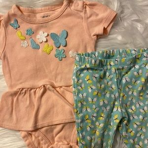 Carter's Baby Girl 2 piece outfit, size 6 months